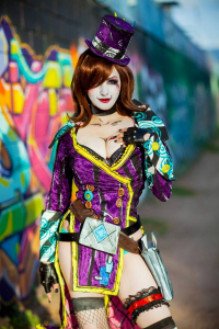 Kovuucos as Mad Moxxi