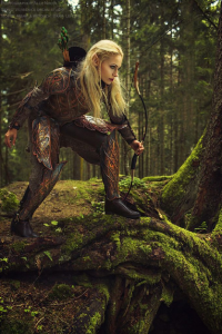Darja Lefler as Elf
