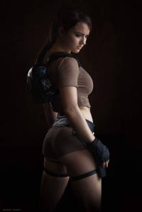 Enora Cosplay as Lara Croft