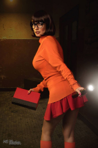 Ivy Cosplay as Velma Dinkley