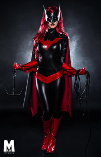 Byndo Gehk as Batwoman