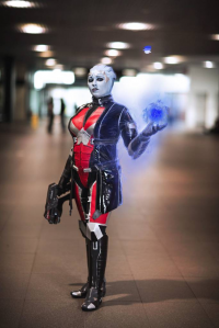 Sakara - costumer and model as Liara T'Soni