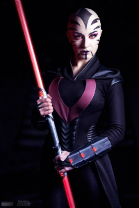 Issabel Cosplay as Sith