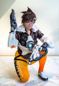 Acanthastar Cosplay as Tracer