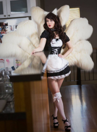 Blondiee as Ahri/Maid