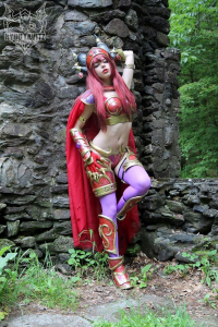 Ryuu Lavitz as Alexstrasza