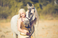 Reilena Cosplay as Daenerys Targaryen, Keikei Flores as Handmaiden, Volde Cosplay as Handmaiden