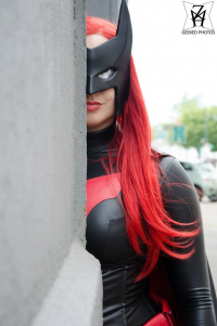 Queen Helene Cosplay as Batwoman