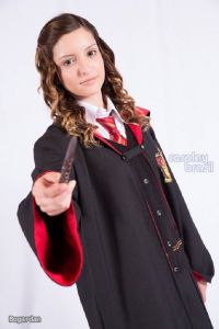 Leticia Lima as Hermione Granger