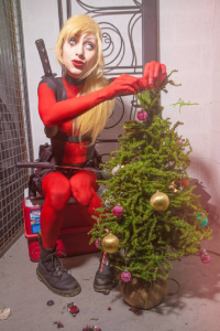 Lovina Yavari as Deadpool