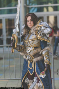 Oshley Cosplay as Varian Wrynn