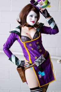 Andy Does Cosplay as Mad Moxxi