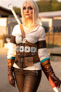 Evelyn Cosplay as Ciri