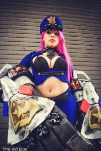 Lily Stella Cosplay as Vi/Officer