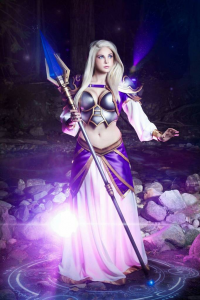 Andy Rae Cosplay as Jaina Proudmore