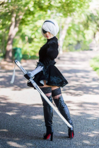 Stella Chuu as 2B