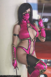 Khainsaw as Mileena