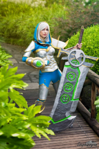 Elizabeth Maree as Riven