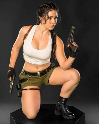 Aspen Cosplay as Lara Croft