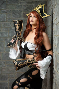 Ellei Marie as Miss Fortune