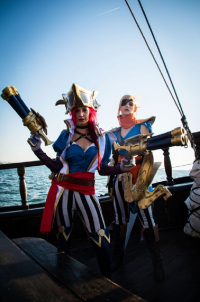 Cosplay Corp as Miss Fortune, unknown artist as Quinn