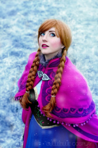 Bulleblue Cosplay as Anna of Arendelle