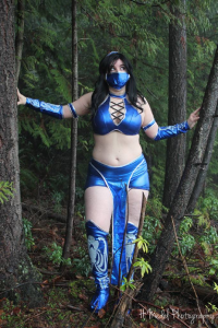 DreamKitty Cosplay as Kitana