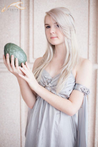 Dev Cosplay as Daenerys Targaryen