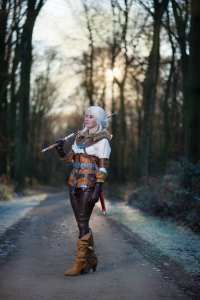 Enyu Cosplay as Ciri