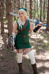 Keira Cosplay as Link