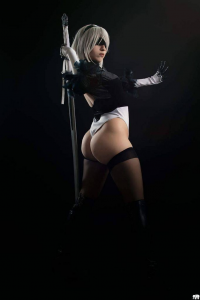 Hika Chan as 2B