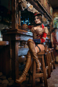 Mono Abel as Mad Moxxi