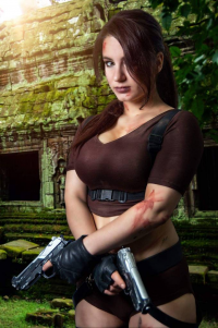 Calypsen as Lara Croft
