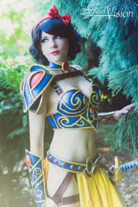 Andy Rae Cosplay as Snow White/Battle Armor