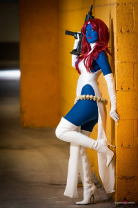 Layla Cosplay as Mystique