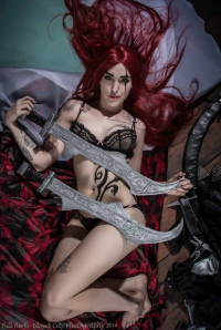Feoranna Cosplay as Katarina