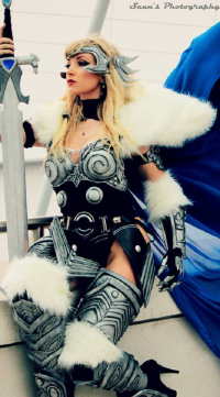Cosplay Butterfly as Valkyrie