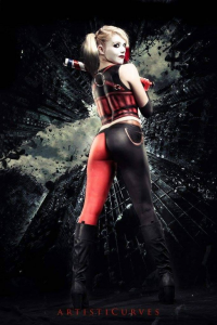 Bubbles Cosplay as Harley Quinn