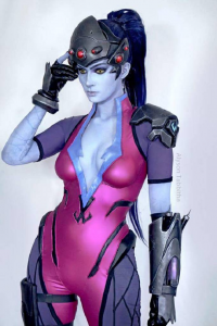 Alyson Tabbitha as Widowmaker