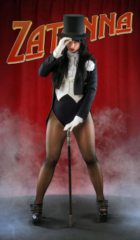 Ferasha Cosplay as Zatanna