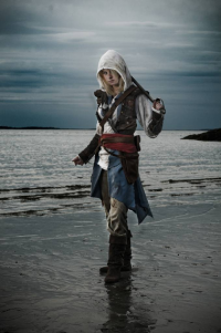 Alexa Karii as Edward Kenway