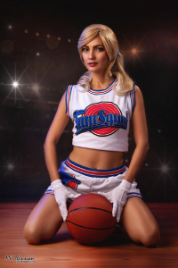 Ivy Cosplay as Lola Bunny