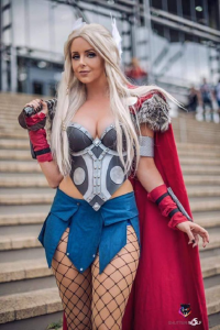 Akaami Cosplay as Thor