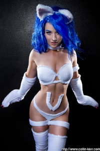 Ellie Christina as Felicia