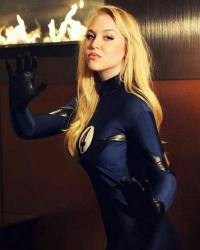 ClaireLyxa as Sue Storm