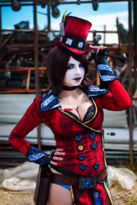 Andy Rae Cosplay as Mad Moxxi