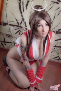 Dalin Cosplay as Mai Shiranui