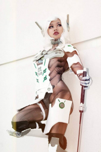 Konnichiwaffles as Genji