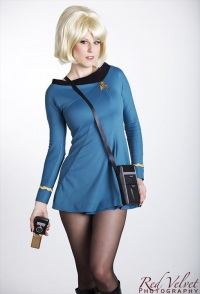 Candy Keane as Starfleet Officer