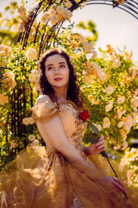 Mimi Reaves as Belle